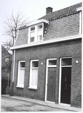 026658 - Pand Lijnsestraat 6D, thans Mozartlaan medio 1965. Moest wijken in het kader van het uitbreidingsplan voor Tilburg-Noord