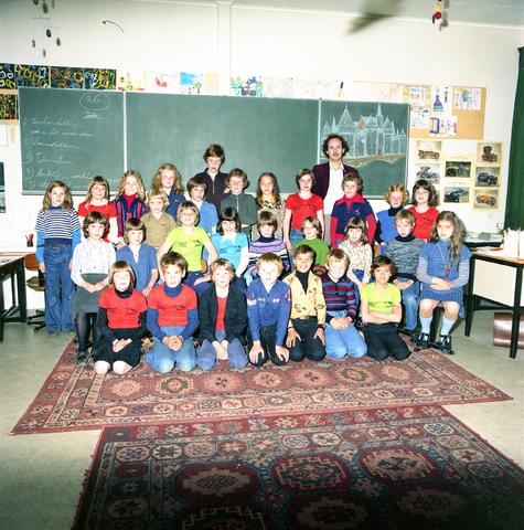 870068 - Klassenfoto. OBS Westerkim, Dongen