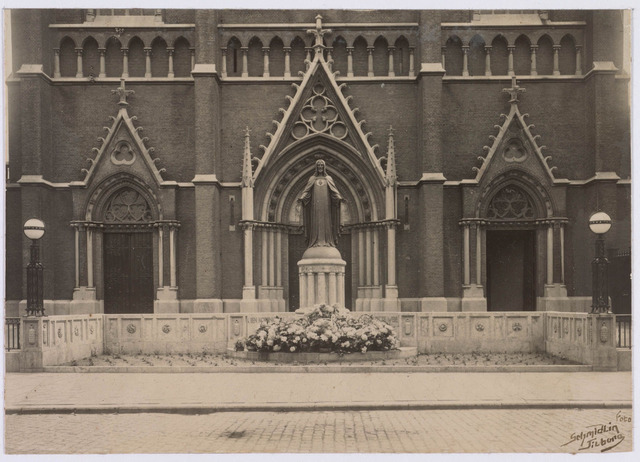 021339 - H. Hartmonument in 1925