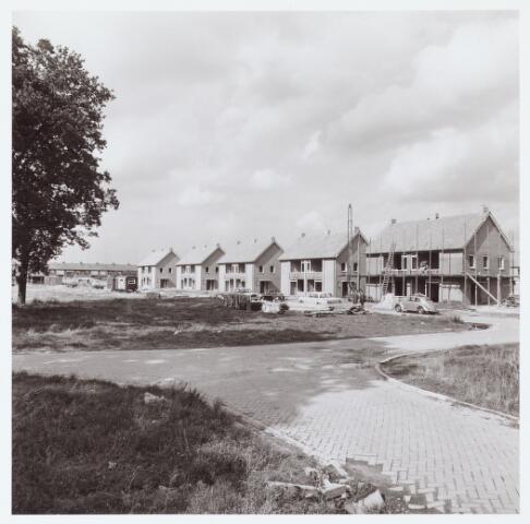 063086 - Het bouwbedrijf Cools bouwde aan aantal woningen aan het Wilhelminaplantsoen