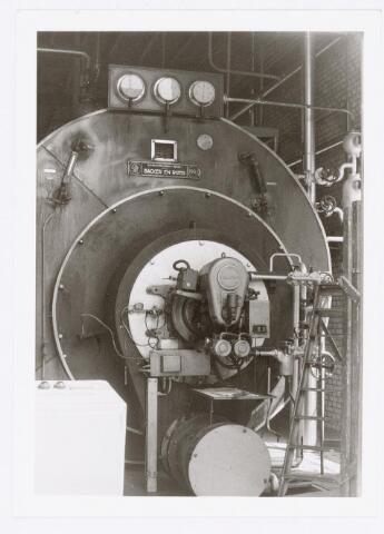 037988 - Textiel. Stoomketel van A & N Mutsaerts. Stoom was onontbeerlijk voor een textielfabriek, met name voor de droogappretuur en de verwarming van de gebouwen in de winter