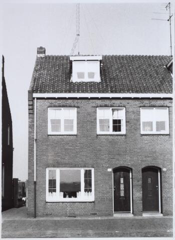 025710 - Pand Moleneind 136 eind 1965. Thans is dit de Leharstraat
