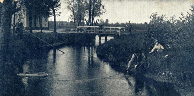 """601004 - Riviertje de Leij in de omgeving van Tilburg. Opschrift """"de Snoek""""."""