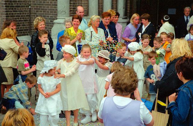 655383 - Eerste Heilige Communie viering in  de Sint Jozefkerk (Heuvelse kerk) in 2001.
