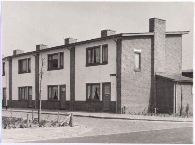 015847 - Woningen aan de Bosbouwstraat, naar een ontwerp van architect W. Vintges