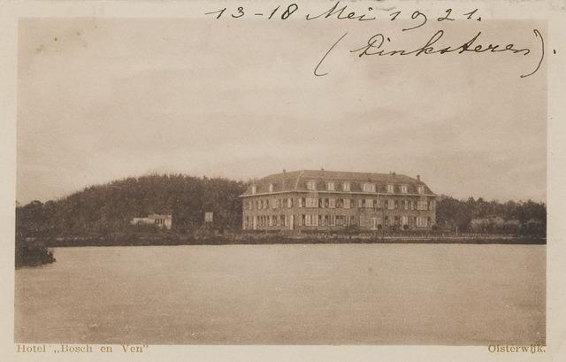 """074148 - Hotel """"Bosch en Ven"""" (Bos en Ven) gezien vanaf de overzijde van het Klompven."""