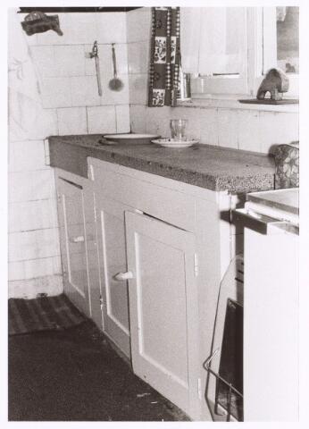 017238 - Keuken van het pand Capucijnenstraat 48 anno 1974