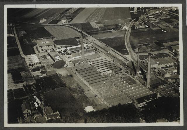 071959 - Complex de Regenboog, stoomververij en chemische wasserij aan de Bredaseweg.
