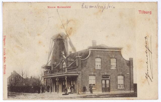 002096 - Rosmolenplein, café 'Nieuw Molenzicht' en de molen van de familie Teurlings. De molen wordt voor het eerst vermeld in 1616 als 'Velthovensche Wint en Rosmolen'. Ook op de kaart van Zijnen uit 1760 is sprake van de Veldhovense mole en rosmole'. Uit de kadastrale legger van 1832 blijkt dat Maria van Gorp, weduwe van F. Tuerlings, eigenaresse was van de 'koornwindmolen' (Molenbogten) en de rosmolen (Veldhovensche Schijf). Daarna was Arnoldus Teurlings eigenaar. De windmolen, bekend onder de naam 'Teurlings molentje' werd in 1927 afgebroken. De correspondent van de Tilburgsche Courant betreurde dat de molen in slopershanden was gevallen en zag dit als een inbreuk op 'het aestetisch aanzien' van het Rosmolenplein.