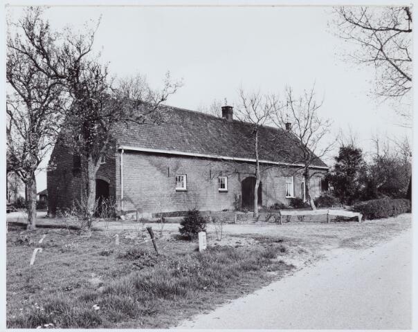 062739 - Boerderij van de familie van Rijswijk aan de Heikantsebaan 7, thans twee woningen nummers 11 en 13