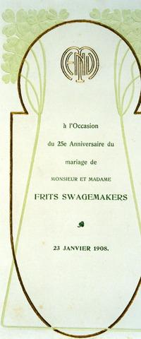071404 - Menukaart in Jugendstil t.g.v. de zilveren bruiloft van fabrikant Frits Swagemakers. Frederikus Maria Hubertus Swagemakers trouwde te Tilburg op 23 januari 1883 met Henrica Josepha Maria van Roessel.