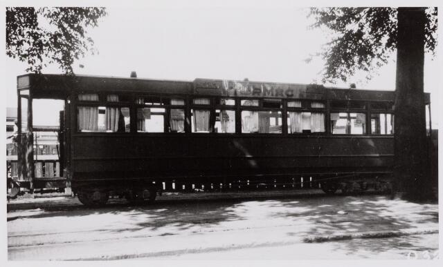 041483 - Openbaar vervoer. Hollandse Buurtspoorwegen. rijtuig nr. 28, Spoorlaan, 1932.