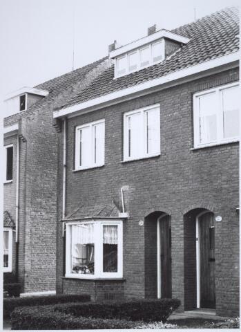 025743 - Pand Moleneind 139 begin oktober 1966. Thans is dit de Leharstraat