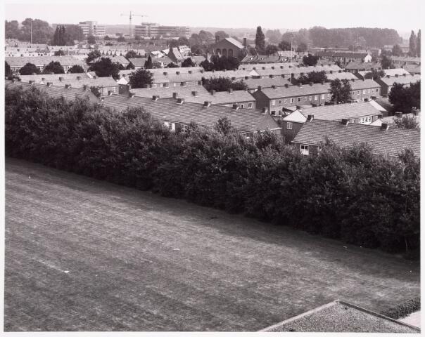 """036517 - Panorama van Tilburg vanaf de L.T.S. """" Leyendael """" aan de Jan Truyenlaan."""
