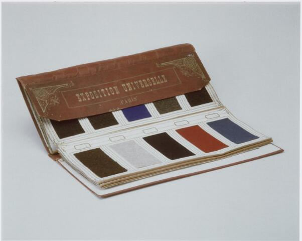 037439 - Textiel. Stalenboek gemaakt door Tilburgse textielfabrikanten die in 1878 deelnamen aan de Exposition Universelle te Parijs