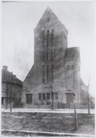 026525 - Gereformeerde kerk aan het Molenbochtplein omstreeks 1925