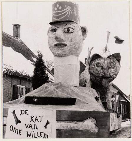 100092 - Carnaval. Praalwagen De kat van Ome Willem in Den Hout
