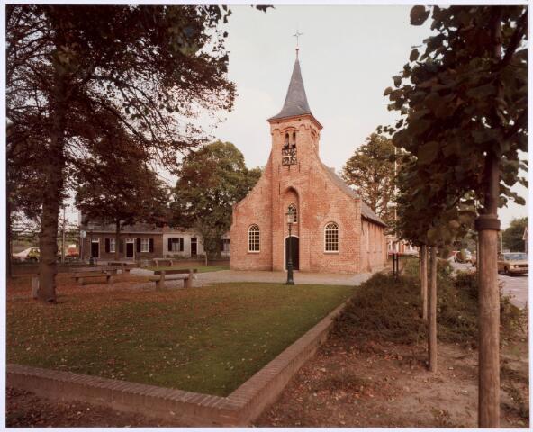 020311 - Hasseltse kapel. Hasseltplein met als centraal punt de kapel