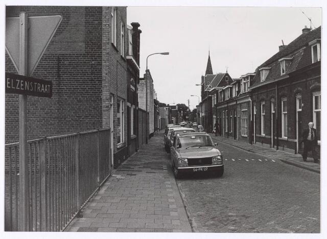 018181 - Elzenstraat in de richting van de Noordhoekring