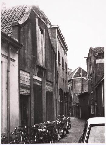 032404 - Panden aan het voormalige Kerkpad thans gesloopt en deel uitmakende onder meer van het parkeerterrein aan het Stadhuisplein