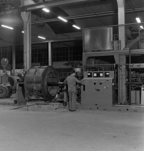 1237_013_062_002 - Industrie.Machinefabriek Naaykens aan de Lovense Kanaaldijk