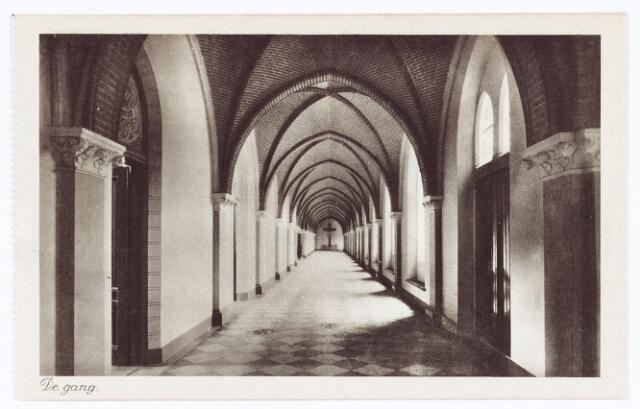 062123 - Kloosters. Interieur van de abdij van Onze Lieve Vrouw van Koningshoeven aan de Eindhovenseweg 3