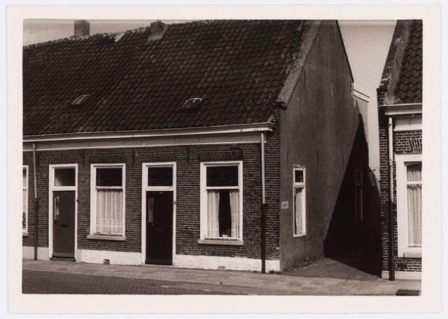 034416 - Lijnsheike 130; thans heet dit deel van de straat Von Weberstraat. De meeste huizen aan het Lijnsheike zijn inmiddels gesloopt.