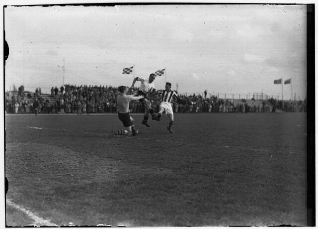 050903 - Voetbal.  Willem II: Actie op de doellijn.