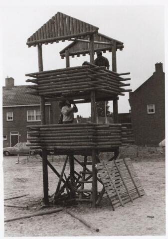 030680 - Sacharias Jansenstraat. Speelplaats door brand vernield 9 augustus 1974.
