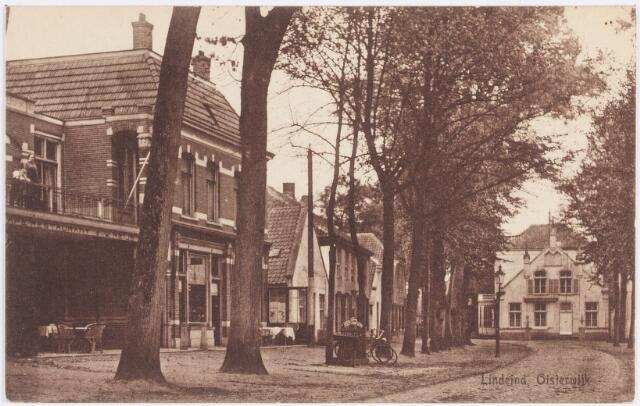 """057502 - De Lind. Horeca. Links het restaurant van W. Meys, later bekend als """"Het Wapen van Oisterwijk""""."""