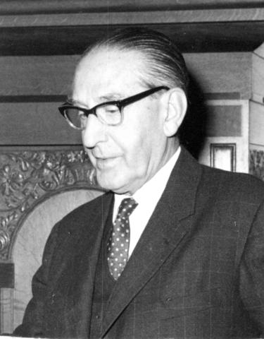 800134 - Sport. Voetbal. Voetbalvereniging R.K.S.V. Taxandria in Oisterwijk. Portret van voorzitter van het hoofdbestuur Fred Mutsarts. Hij was voorzitter van 1944 tot begin 1948.