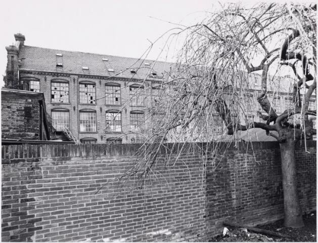 026855 - Fabriekscomplex aan de Nieuwlandstraat, gezien vanuit de tuin van pand nummer 38 - 40
