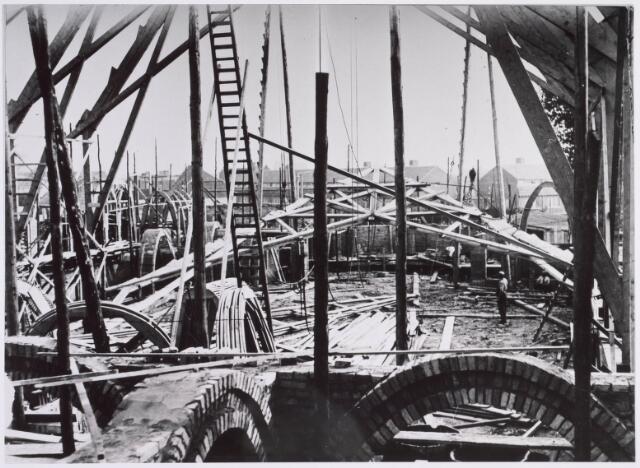 022293 - Op vrijdag 20 september 1929 werd de in aanbouw zijnde kerk van de nieuwe parochie Groeseind aan de Hoefstraat door een storm zwaar beschadigd