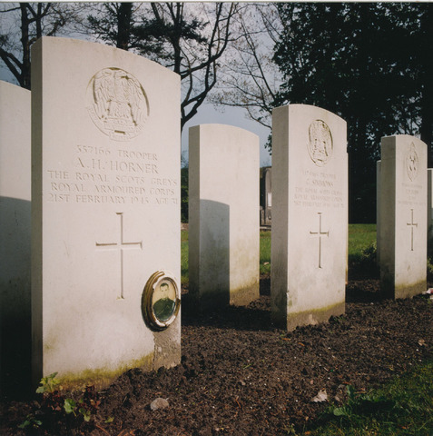 064354 - Oorlogsgraven op begraafplaats Vredehof.