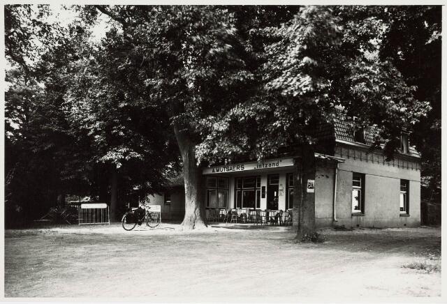 034159 - Café Mutsaers in 't Zand, aan de Vijverlaan 2; ook genaamd Boerke Mutsaers