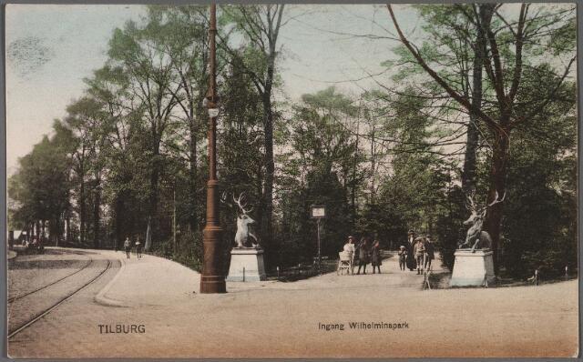 011002 - Twee herten markeren de ingang van het Wilhelminapark.