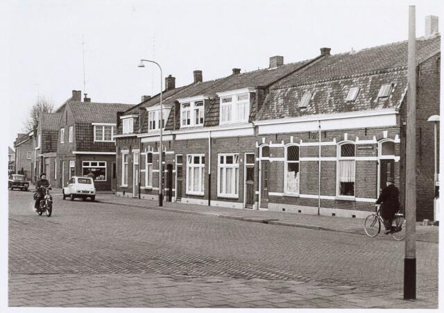 014720 - Rijtjeshuizen in de Berkdijksestraat