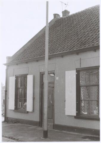 022521 - Pand Van Hogendorpstraat 70 eind 1977