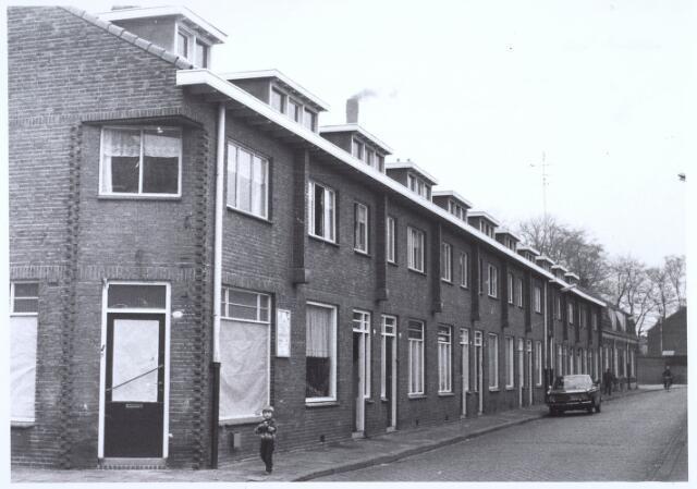 020753 - Panden Hesperenstraat 11 tot en met 39 (van links naar rechts) begin 1973