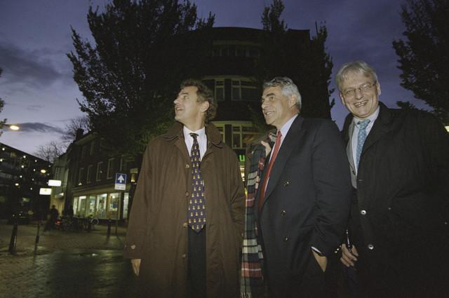TLB023001323_001 - Rogier van Boxtel, burgemeester Johan Stekelenburg en wethouder Wim Luijendijk