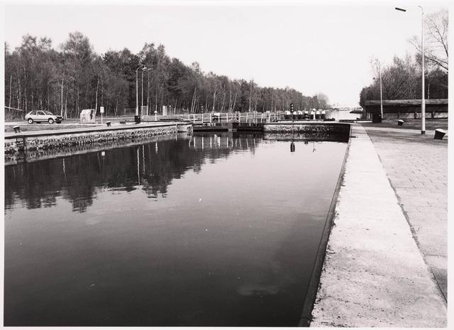 034774 - Sluis III aan het Wilhelminakanaal