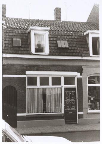 024664 - Pand Korvelseweg 64 eind 1970