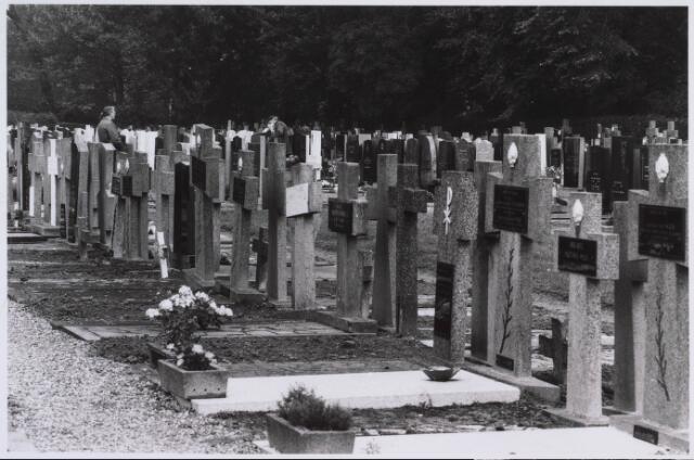 023076 - Begraafplaats van de parochie Heuvel aan de St. Josephstraat