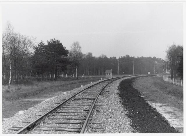 """036903 - Nederlandse Spoorwegen, NS, Belslijntje.: De afbuiging """"Bels-lijntje"""" van de spoorlijn Breda-Tilburg in 1959 gereed."""