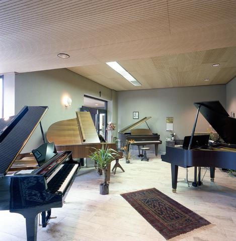 D-000611-3 - Jos Simons, pianohandel, Goirkestraat