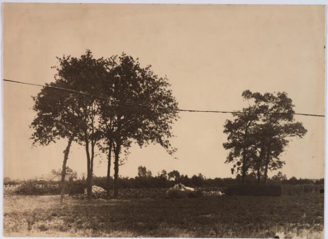 028174 - Plaats waar Petrus Donders gewoond en geleefd heeft; de steenpuin is de afgebroken woning opname waarschijnlijk van augustus 1897