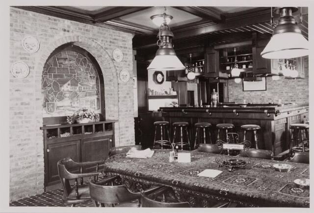 040566 - Oud interieur café-restaurant Boerke Mutsaers, Vijverlaan 2.