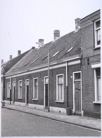 023724 - Panden Klaverstraat 20, 22, 24 en 26 (van rechts naar links) halverwege 1965
