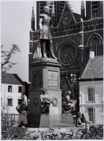 021461 - Standbeeld van Willem II op de Heuvel