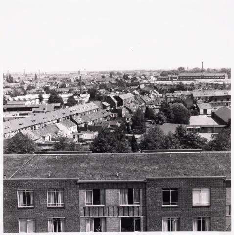 "036712 - Panorama van Tilburg vanaf de torenflat ""Vredeburcht """